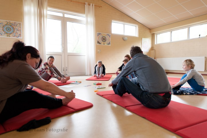 Familie-yoga (Small).jpg